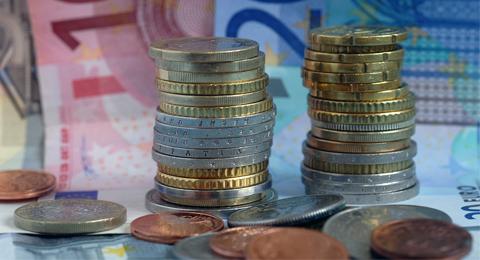 Das Bild zeigt Euromünzen. Foto: Jürgen Haacks / Uni Kiel