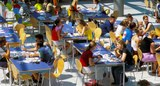 Mittagspause-in-der-Mensa-1