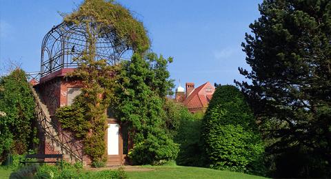 The picture shows a pavilion at the Old Botanical Garden, Photo: Jürgen Haacks / Uni Kiel